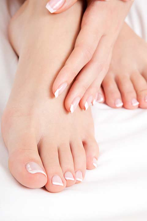 french-manicure-pedicure