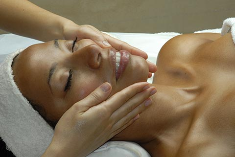 Facial Skincare - Chicago Massage & Spa | Spa Space